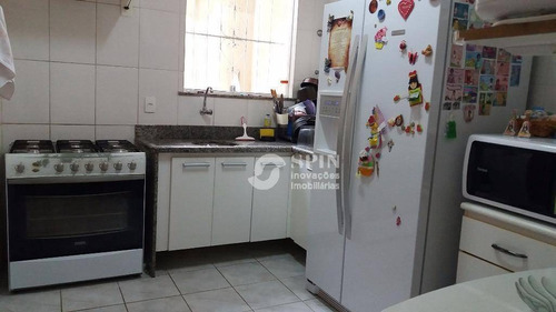 casa linear em  itaipú-niterói de 2 quartos, com quintal, piscina, churrasqueira. área 80m² - ca0025