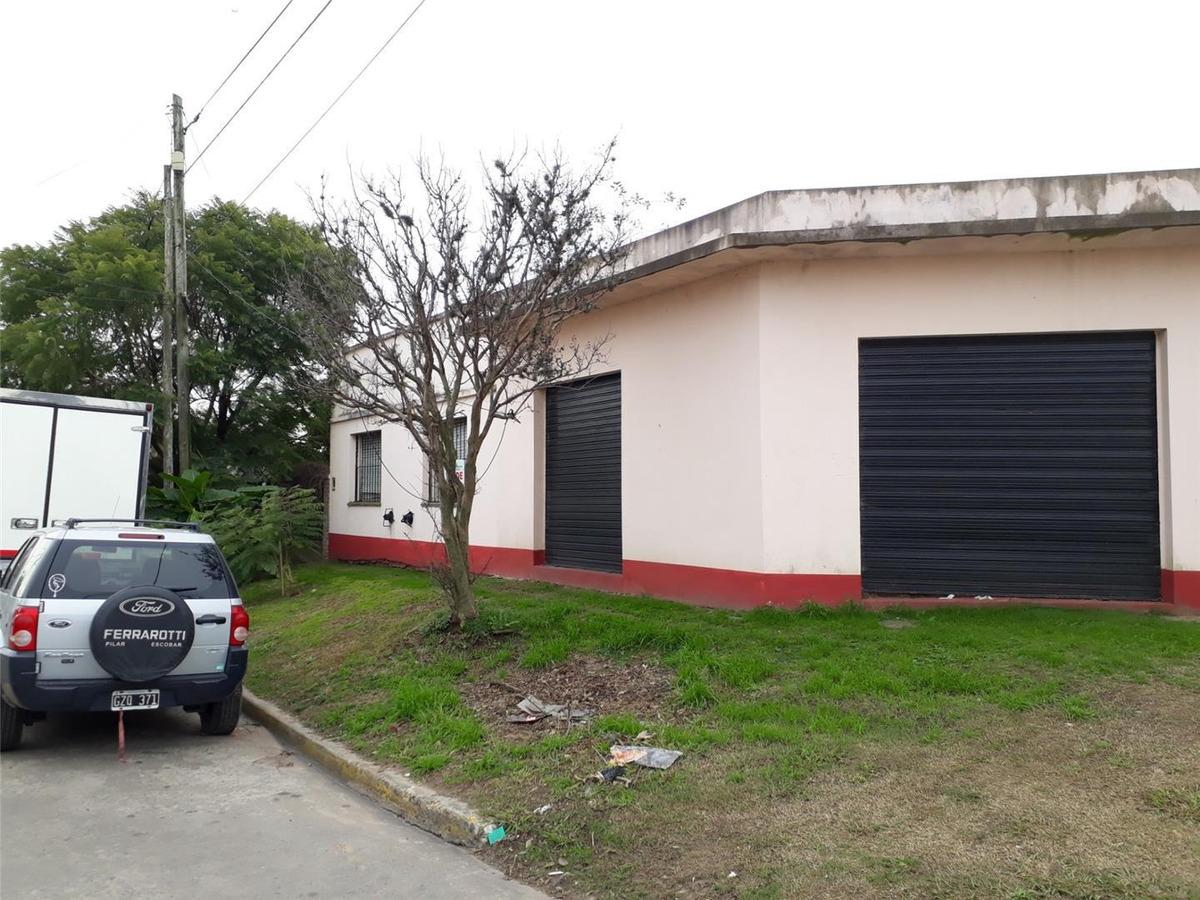 casa + local + amplio lote