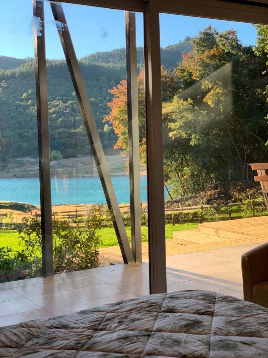 casa lodge, refugio del lago colbún