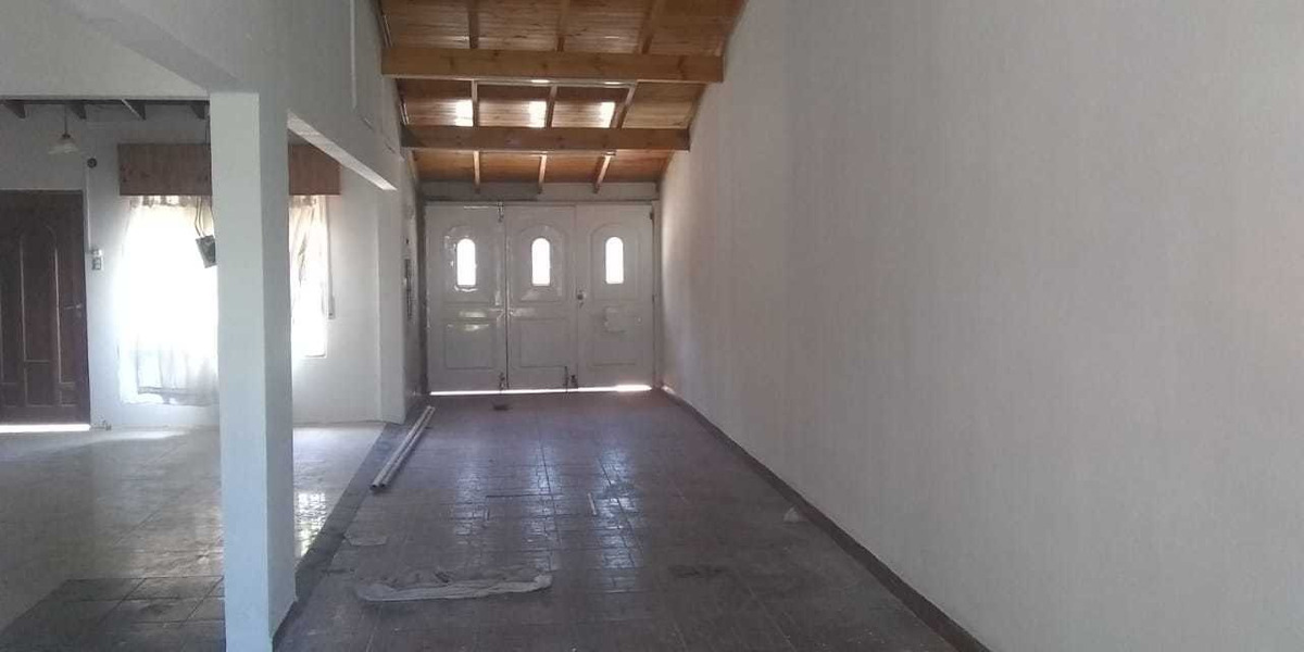 casa loft 120 metros cubiertos....a 2 cuadras de simon perez