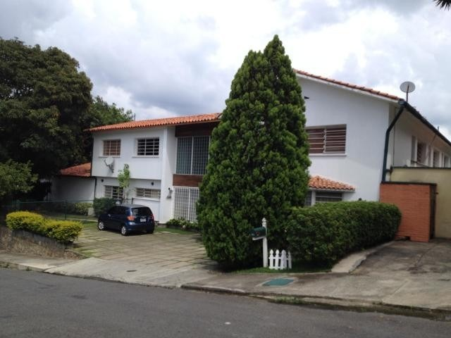 casa lomas de club hípico mls#20-12492 @rentahouse.ccs