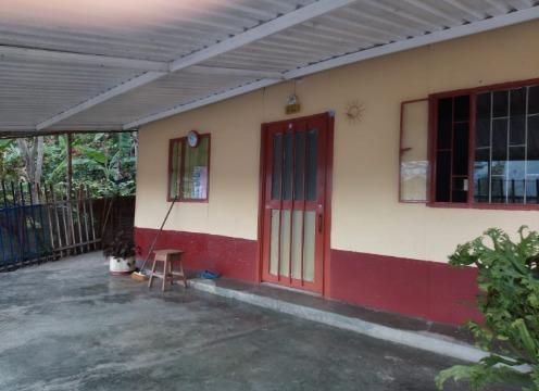 casa lote con 2 habitaciones, un baño con garaje
