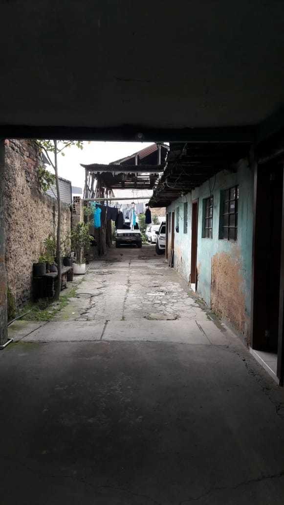 casa lote, con excelente ubicación en el barrio santa lucía