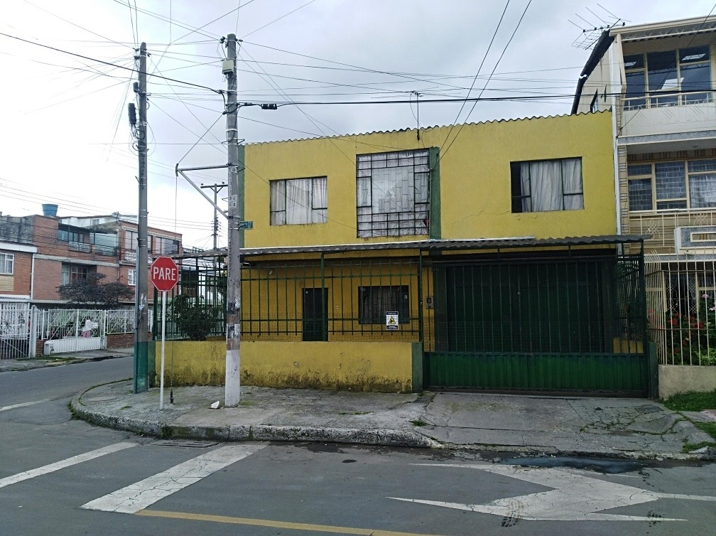 casa lote esquinero para bodega o edificio