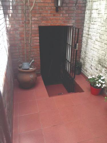 casa lote propio 4 ambientes  con terraza, patio .liniers