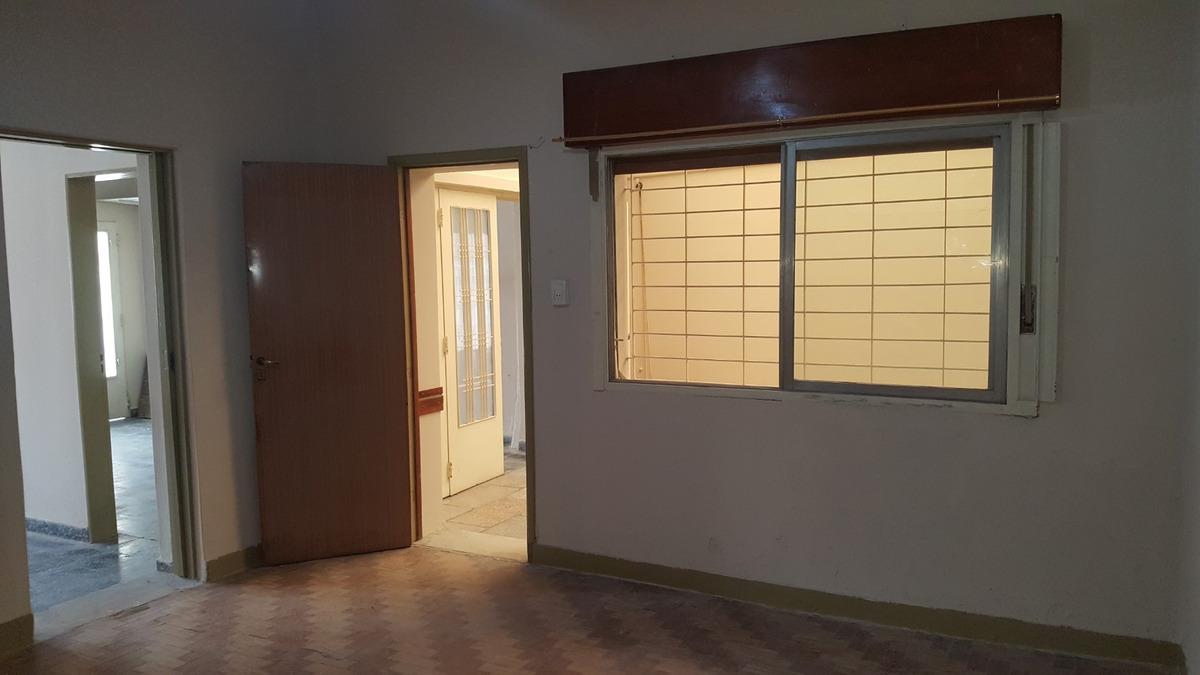 casa, lote propio 8,66x23, barrio naon permuto o financio