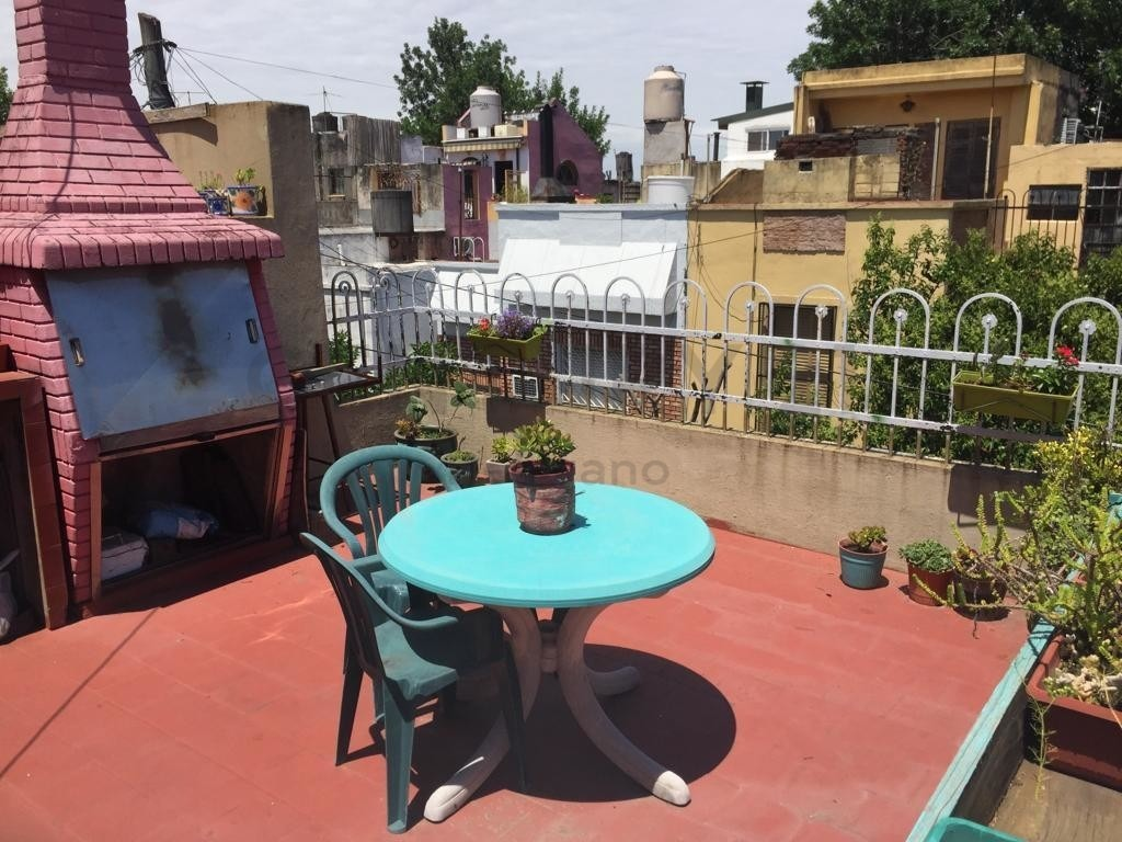 casa  luminosa, 4 dorm, cochera, terraza, quincho y parrilla
