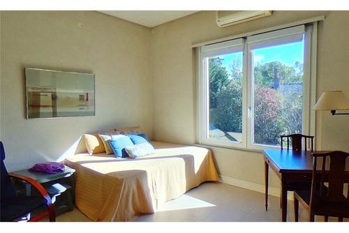 casa mayling 2 dorm en suite, amplio living y dep.