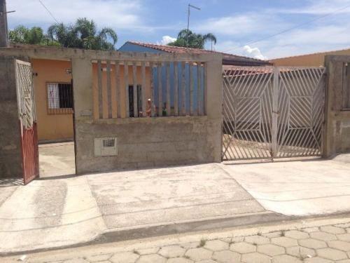 casa medindo 260m²,em itanhaém/sp