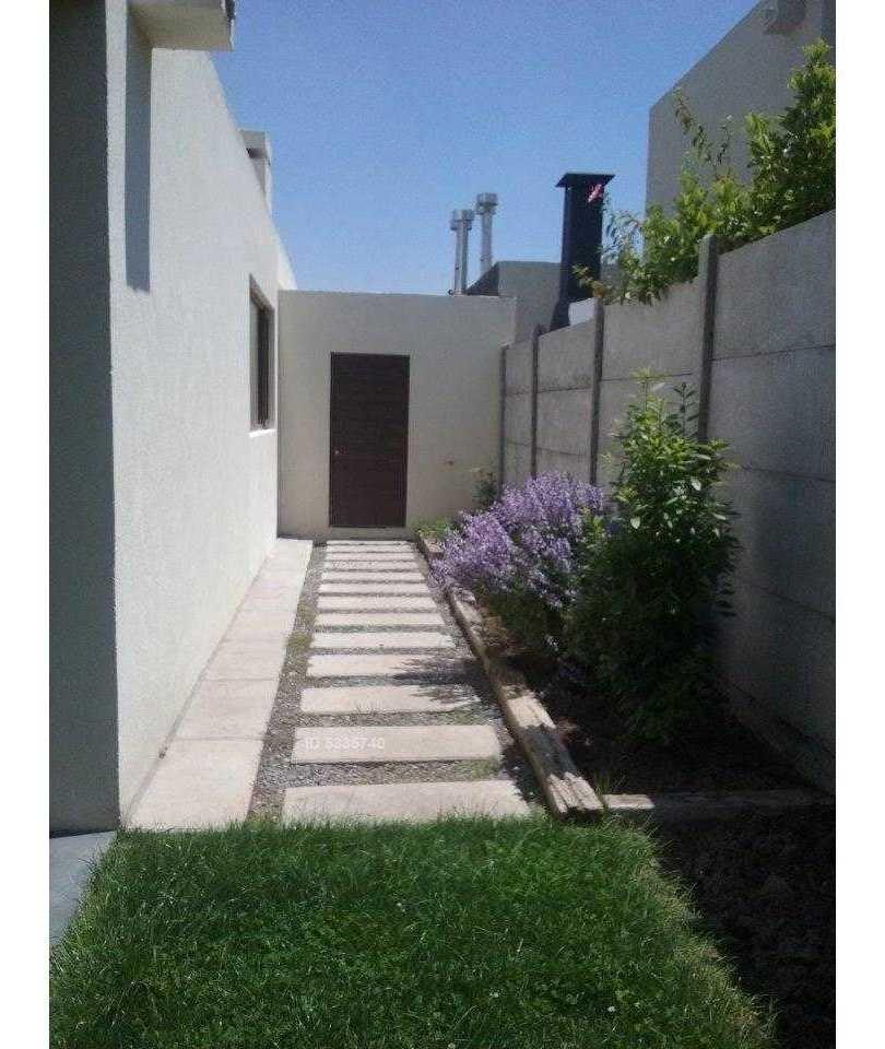 casa mediterránea condominio no perimetral / colegio aleman - san anselmo. terraza + piscina