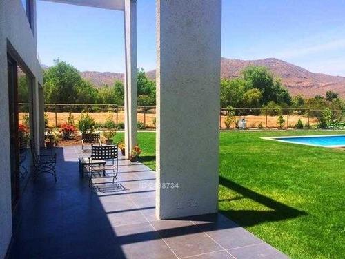 casa mediterranéa en las brisas de chicureo, gran terreno, cercana a colegio highlands.