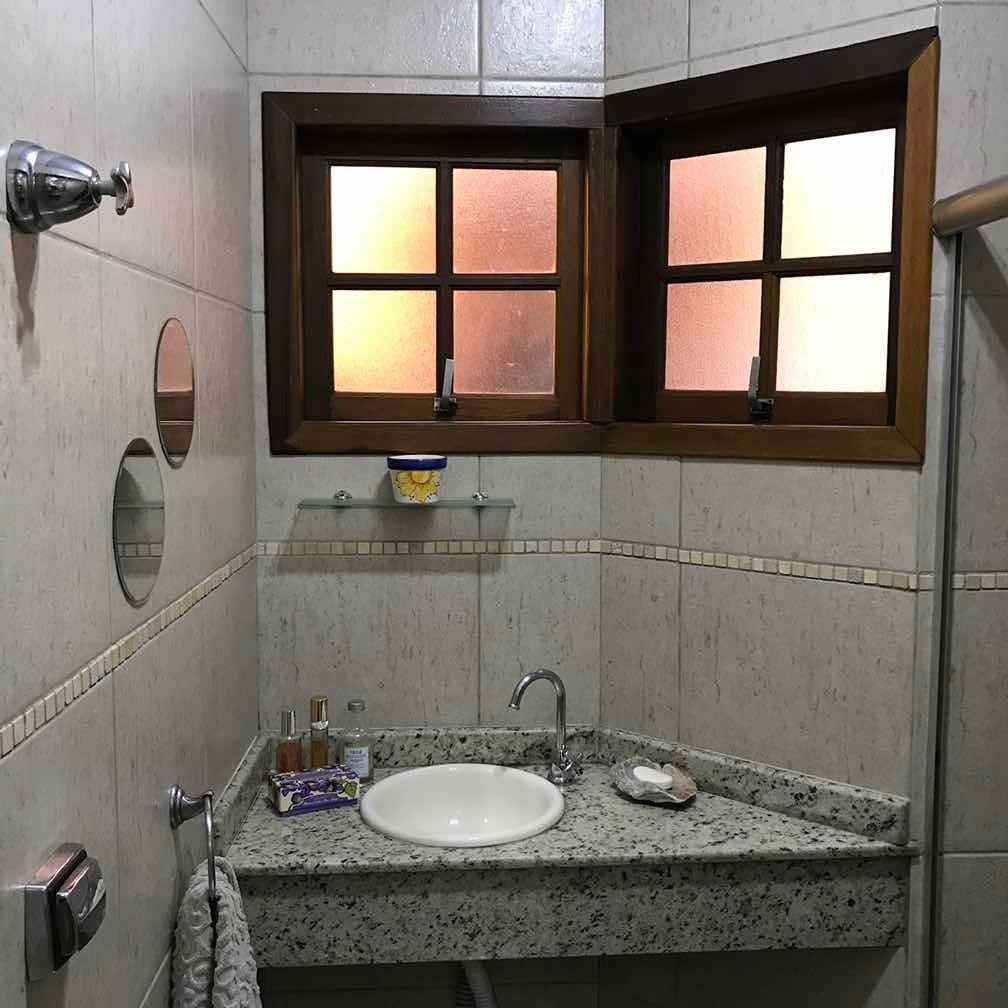 casa metrô armênia e shopping d c/ 3 quartos, toda reformada