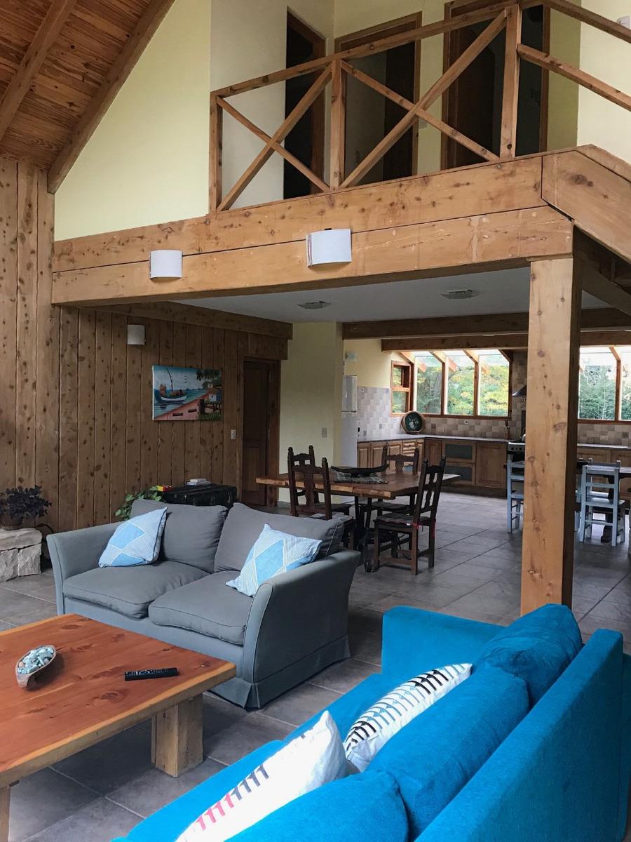 casa michay  angostura 4 ambientes céntrica vista al bayo