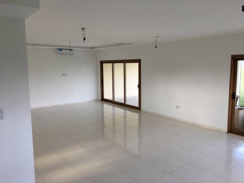 casa minimalista 4 amb a estrenar