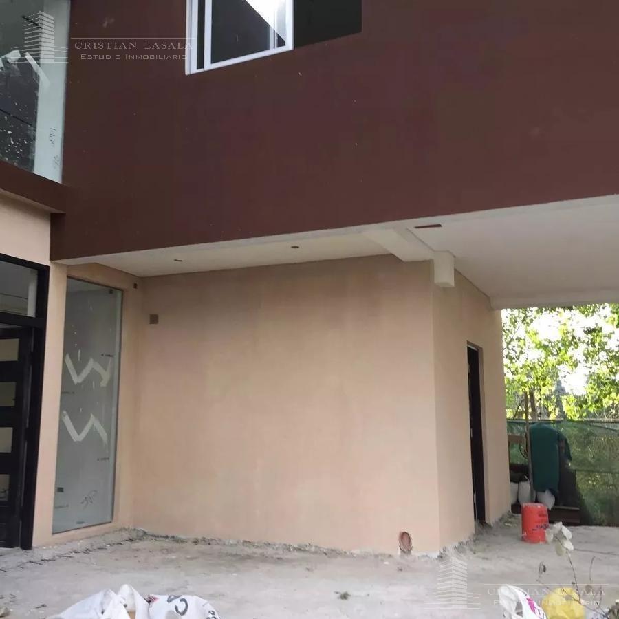 casa minimalista 5 ambientes en barrio cerrado  altos del sol  en parque leloir.