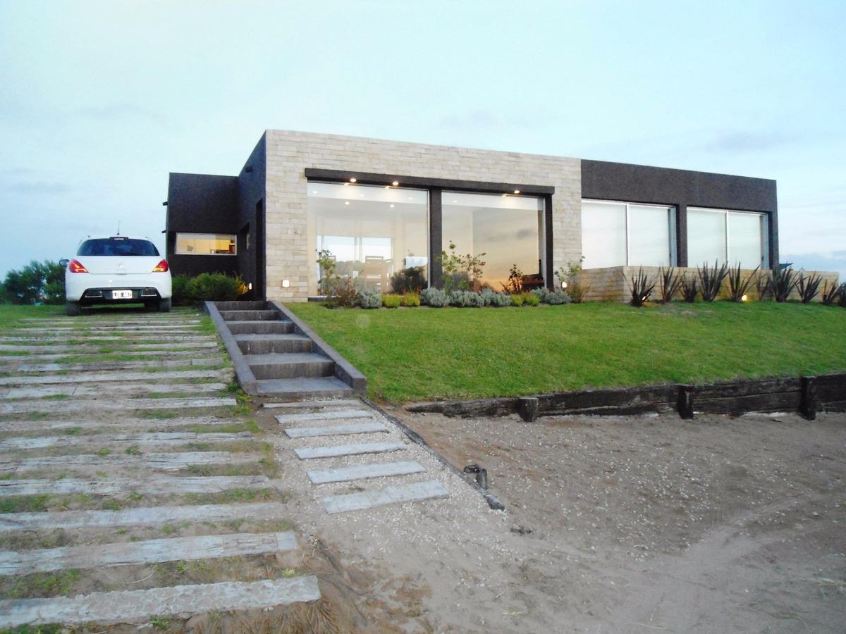 casa minimalista  (costa esmeralda)
