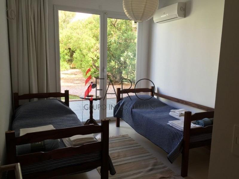 casa minimalista de la ruta hacia el mar-ref:36281