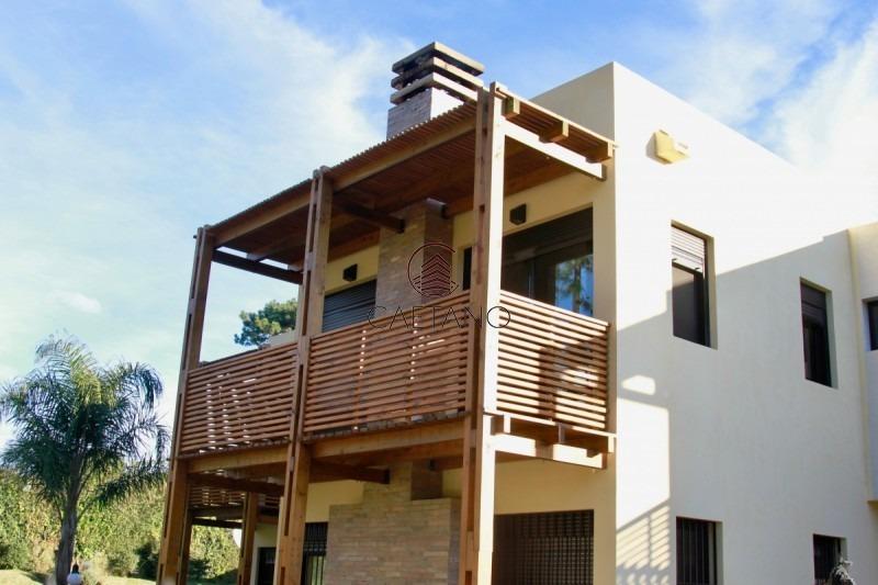 casa minimalista en cantegril-ref:7