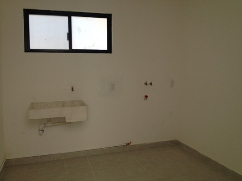 casa minimalista en renta fracc. cumbres del cimatario qro. mex.