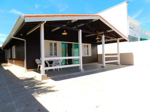 casa mobiliada c/ piscina próximo do mar a venda em peruíbe