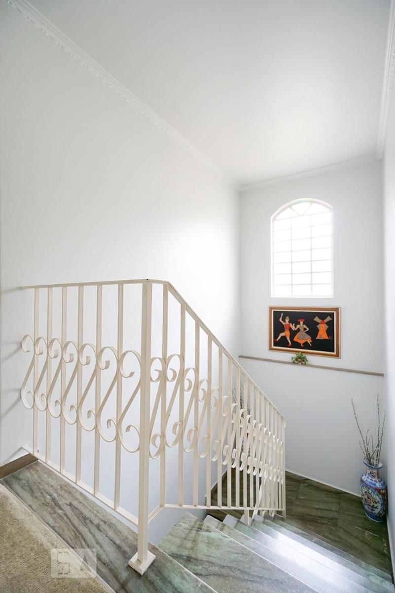 casa mobiliada com 3 dormitórios e 2 garagens - id: 892976008 - 276008