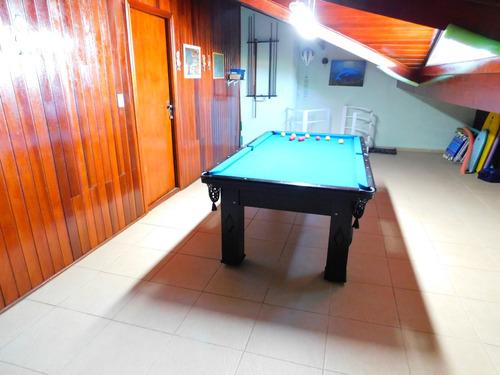 casa mobiliada com piscina bairro nobre a venda em peruíbe