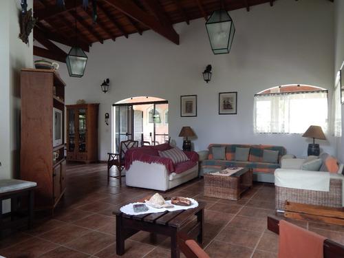 casa mobiliada em condomínio a venda em peruíbe