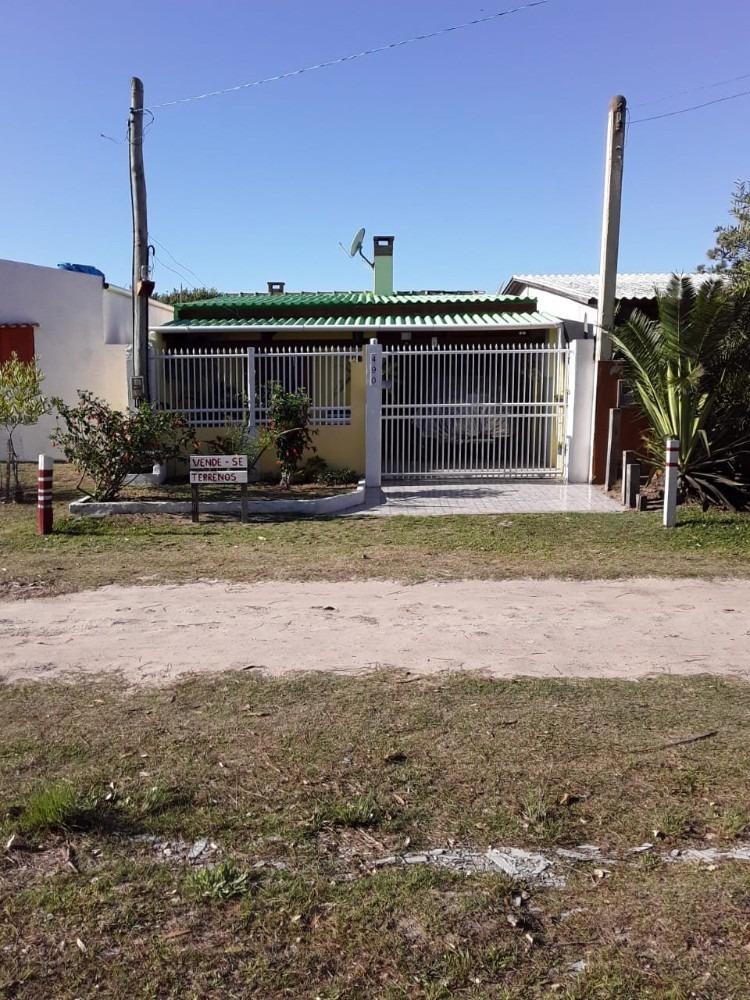 casa mobiliada, patio todo murado, portões de pvcera.