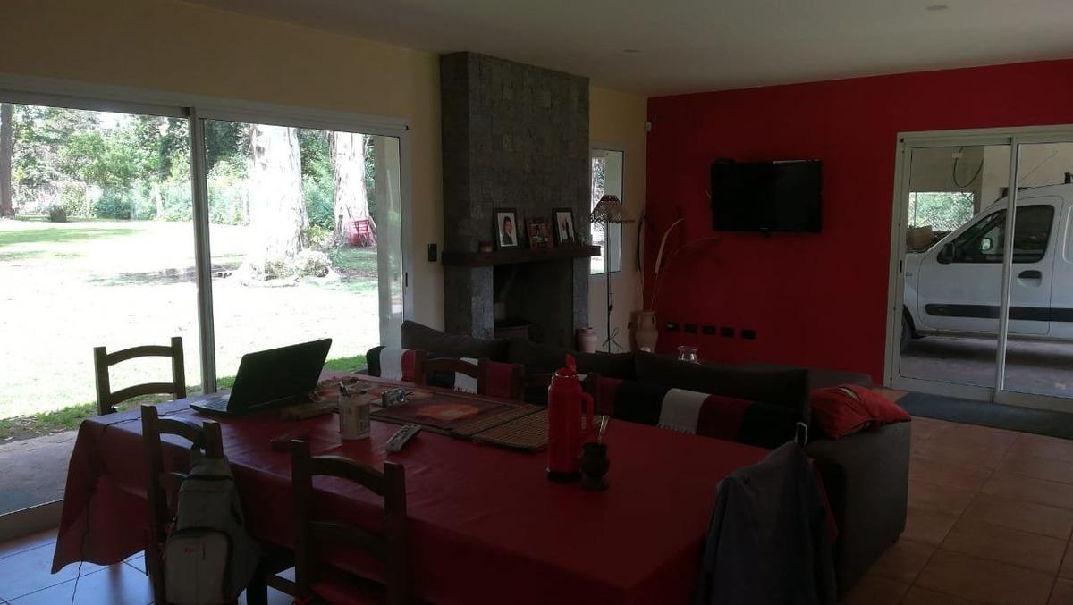 casa moderna 4 amb. 3.200 m2 terreno parquizado, cochera doble, quincho, barrio el tejado - mar del plata