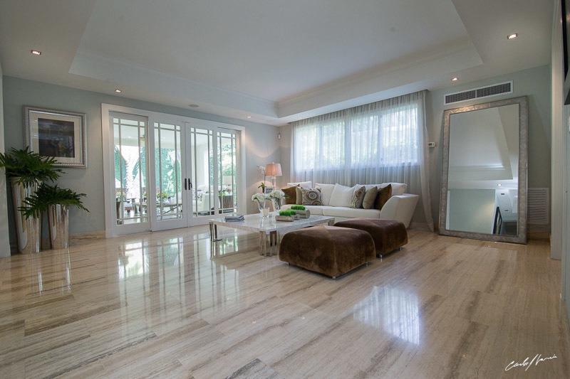 casa moderna con patio y 4 hab., en residencial cerrado