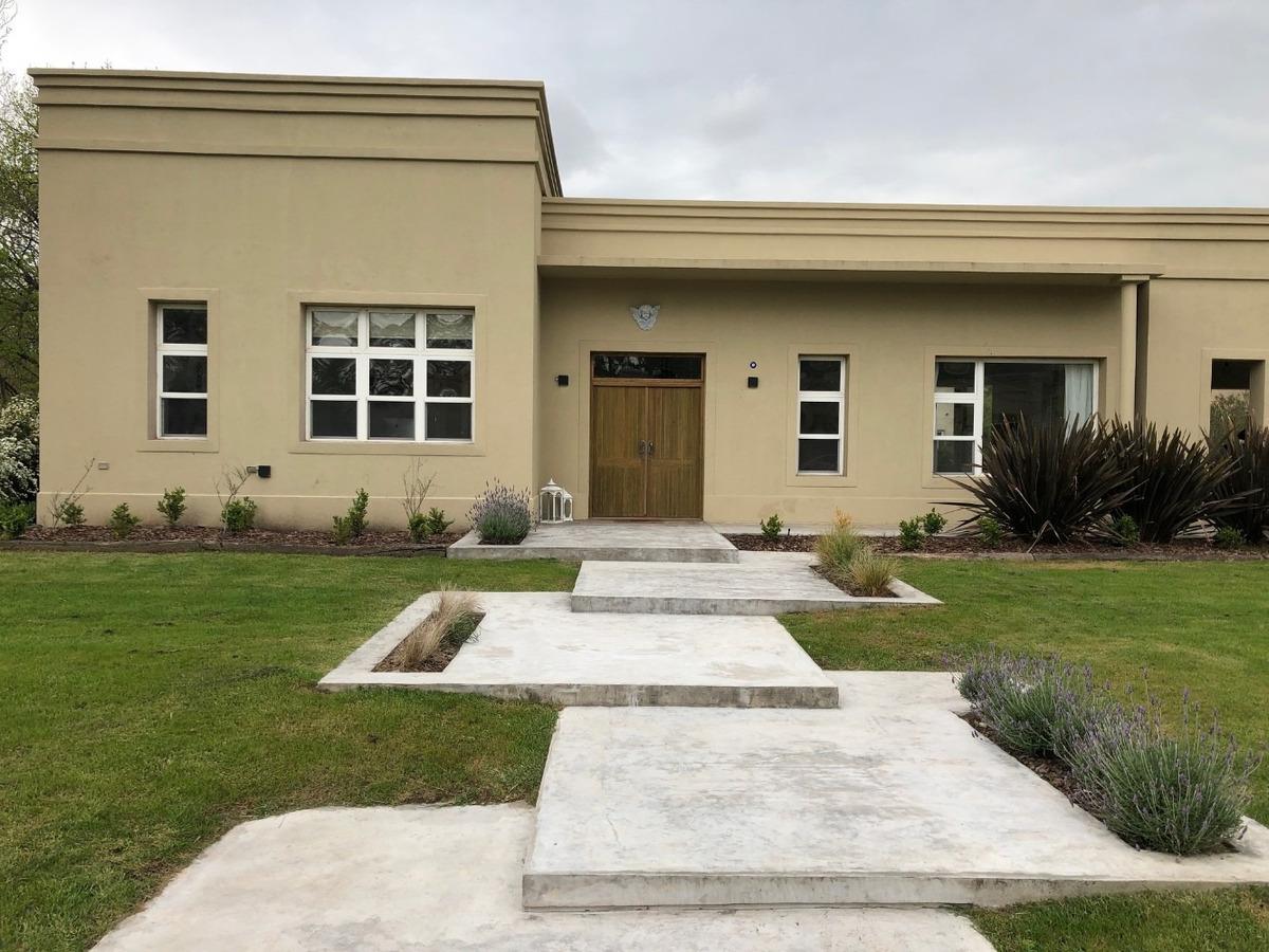 casa moderna de 230m2 cub san diego country club de campo