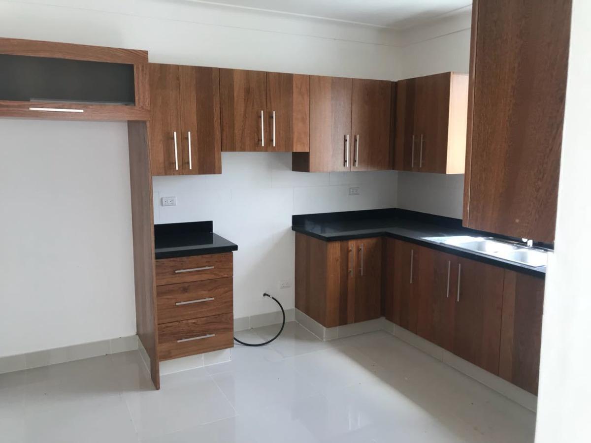 casa moderna en complejo privado residencial amanecer