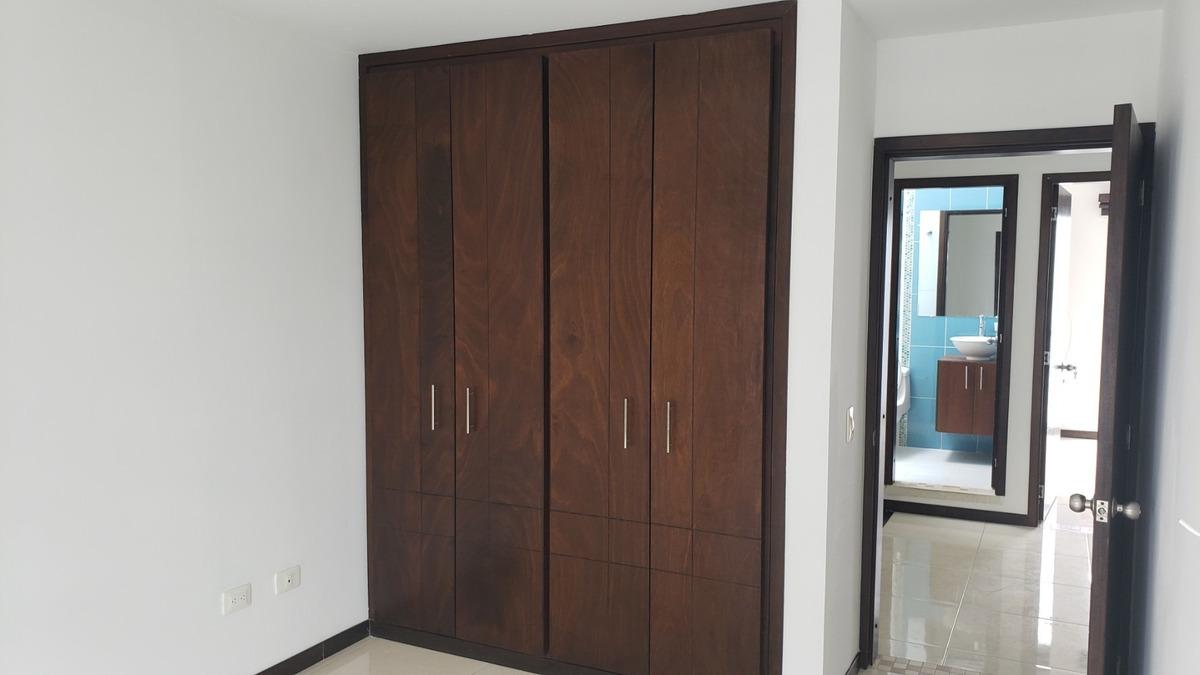 casa moderna en condominio cerrado