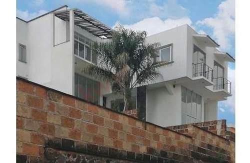 casa moderna en fracc punto sublime, cuernavaca