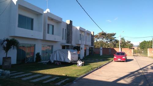 casa moderna en venta universidad ecologica,km 5 este cotoca