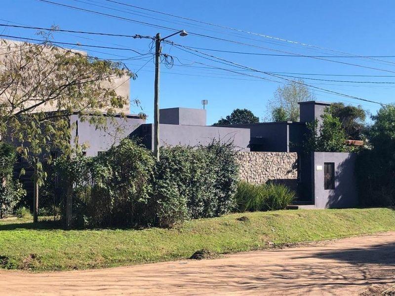 casa moderna en zona quintas