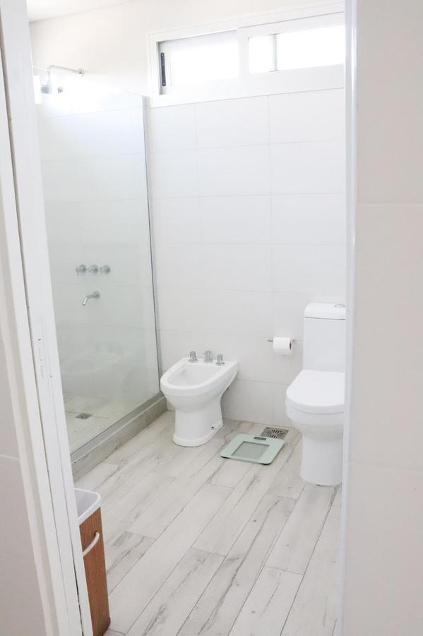 casa moderna y funcional de estilo racionalista 3 dormitorios tipas nordelta