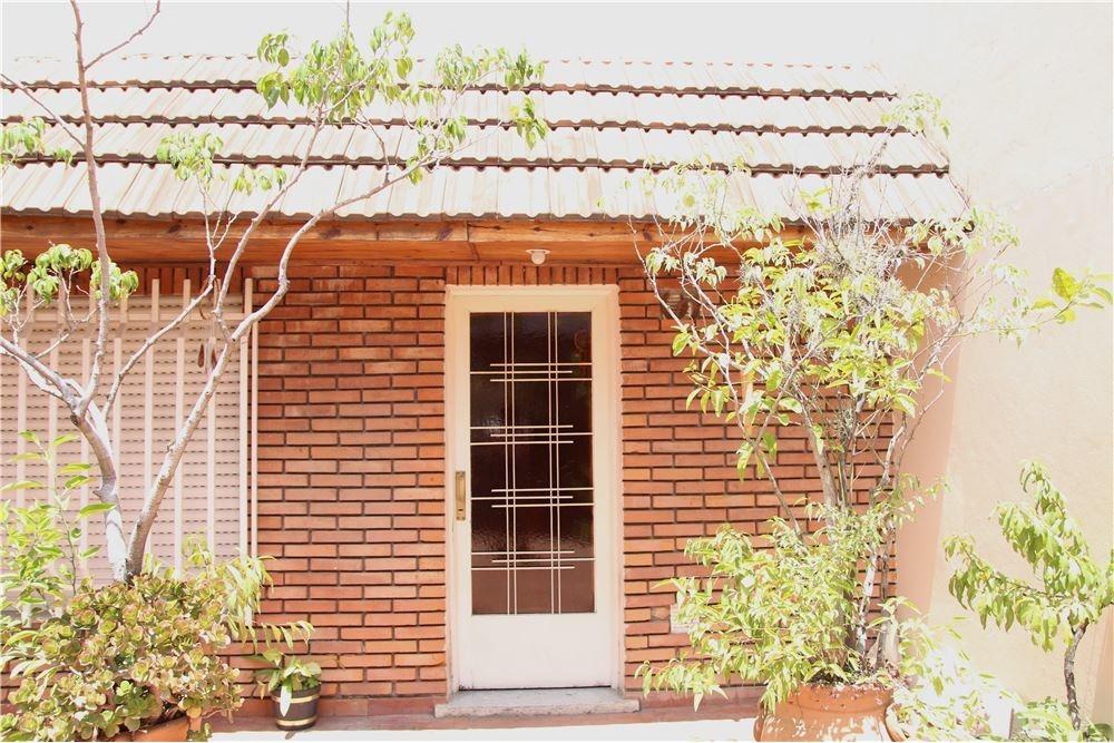 casa multifamiliar 4 ambientes lomas del mirador