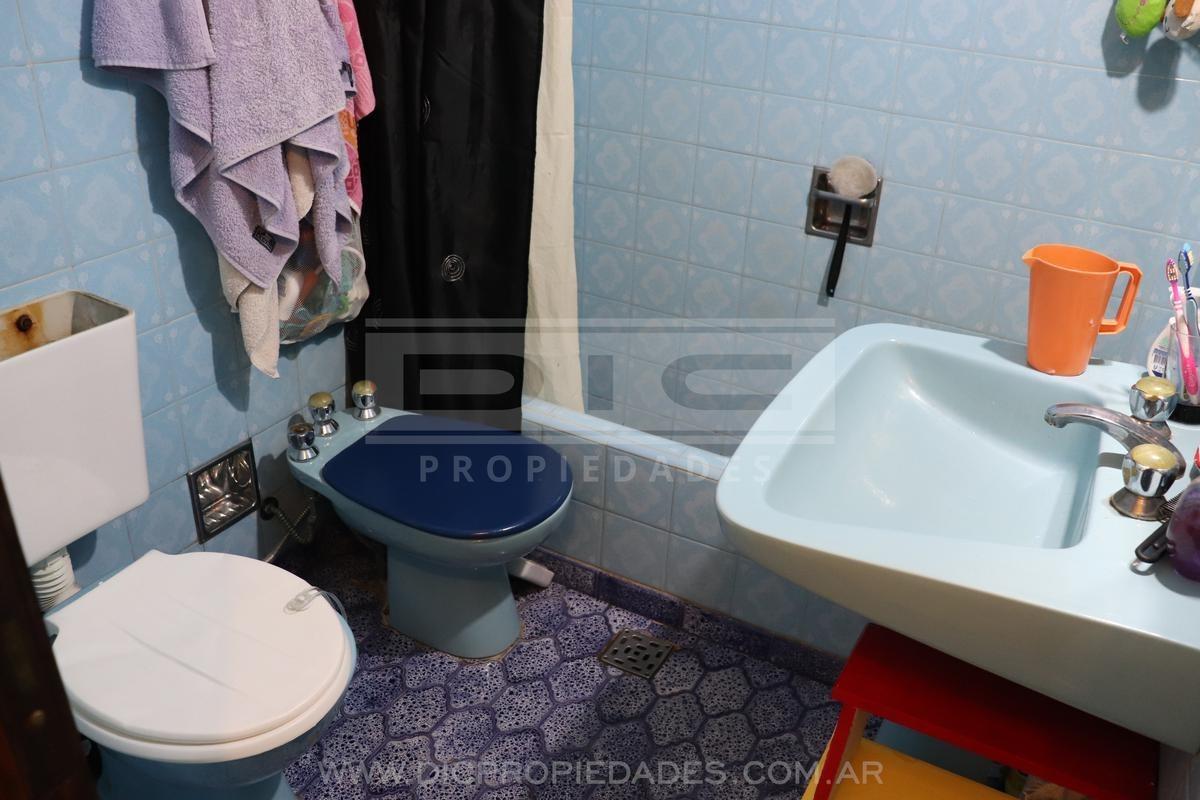 casa multifamiliar de 5 dorm, 2 baños   toilette, exc ubicación en boulogne