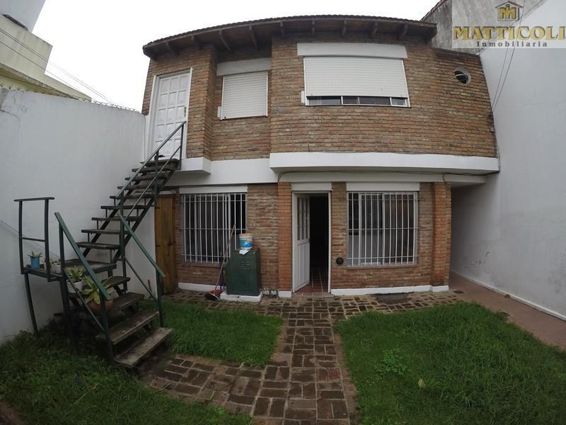 casa multifamiliar sobre lote de 330 m2 en villa ballester