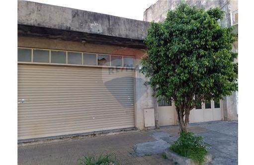 casa multifliar.+ coch +local comercial