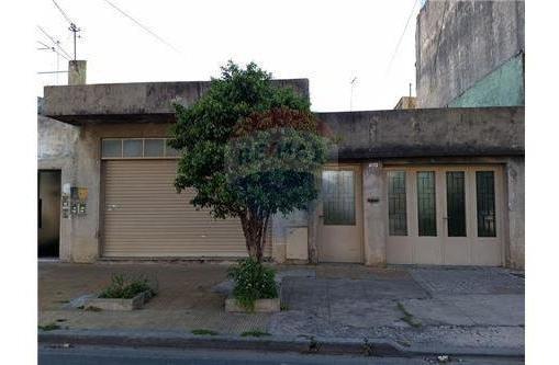 casa multifliar.+ coch +local comercial l del mir.