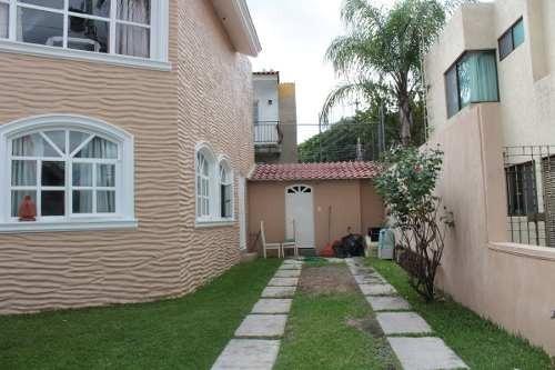 casa muy amplia en coto jardin real