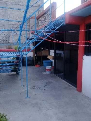 casa muy amplia para remodelar en nezahualcoyotl