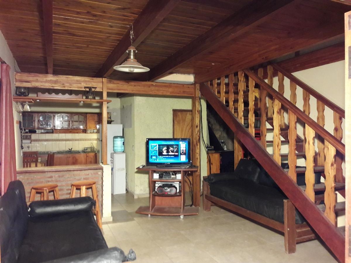 casa muy cómoda con excelente ubicación pileta gigante