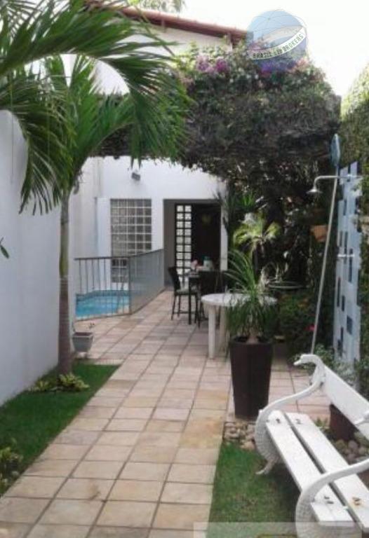 casa na candelária com excelente estrutura e ótima localização. - ca0051