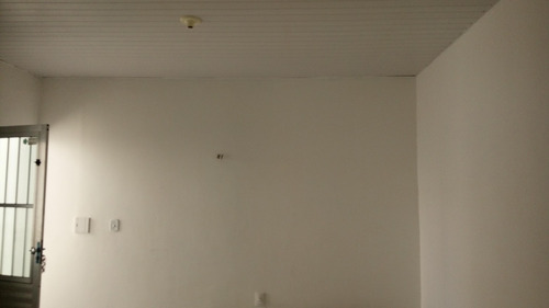 casa na parquelândia - 1 quarto, sala, cozinha