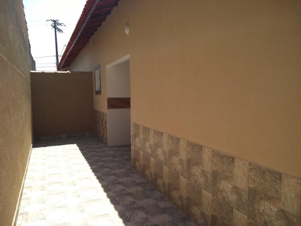 casa na praia c/ suíte em mongaguá por 195 mil ref. 7962 e
