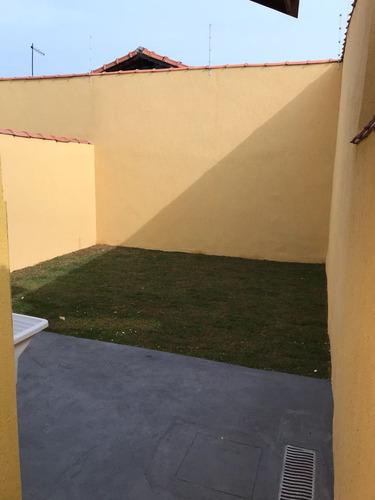 casa na praia com 02 dormitórios, em itanhaém.