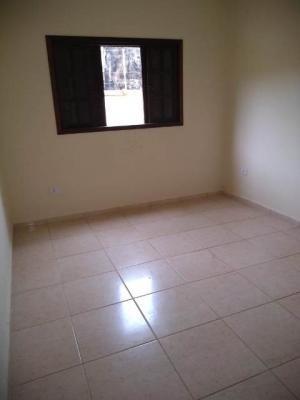 casa na praia com 2 quartos, itanhaém-sp - 4911/p